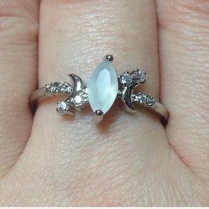 Ladies White Opal & Zircon Ring SZ 8  🌙